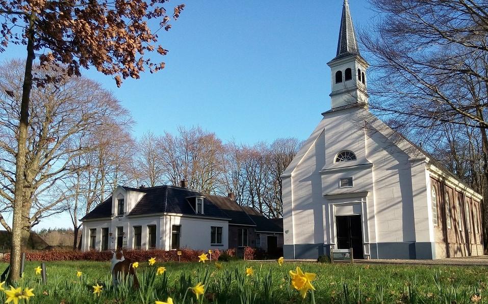 Het-Koloniekerkje-trouw-en-feestlocatie-e1457820625850